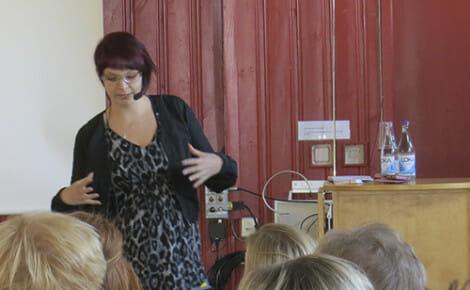 Joanna Halvardsson berättade om en snårig uppväxt och vägen fram till en diagnos.